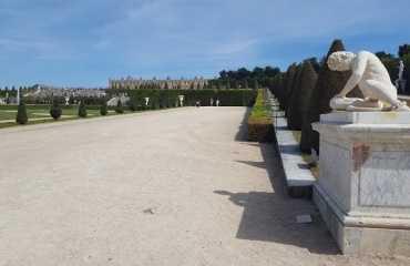 Estauas en el Jardin de Versalles