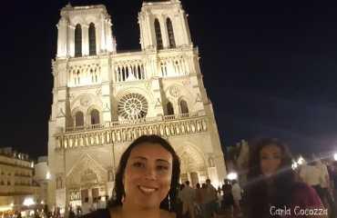 Notre Dame de Noche
